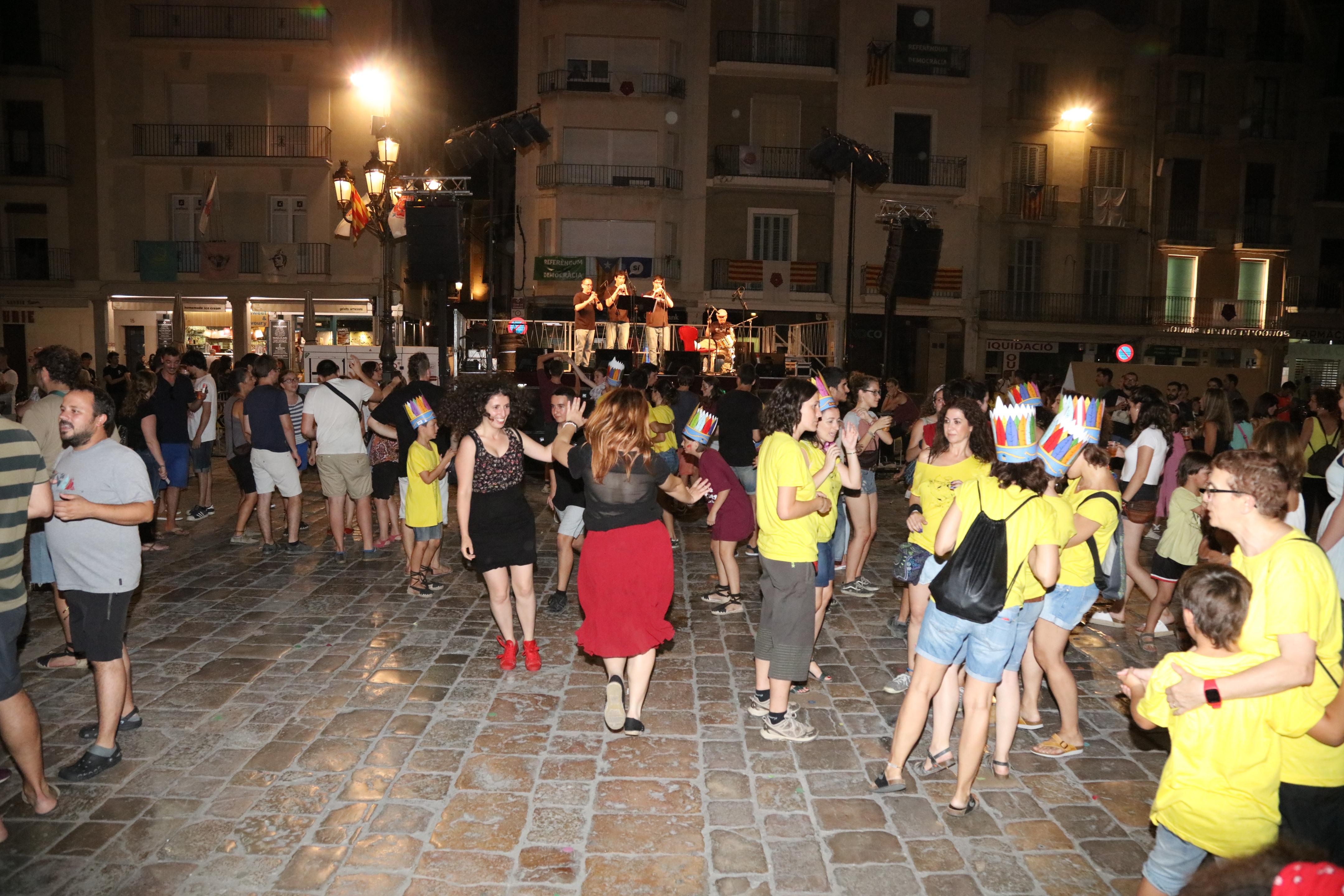 Concert a càrrec la Banda de Fer l'Índiu i la Banda Simfònica de Reus