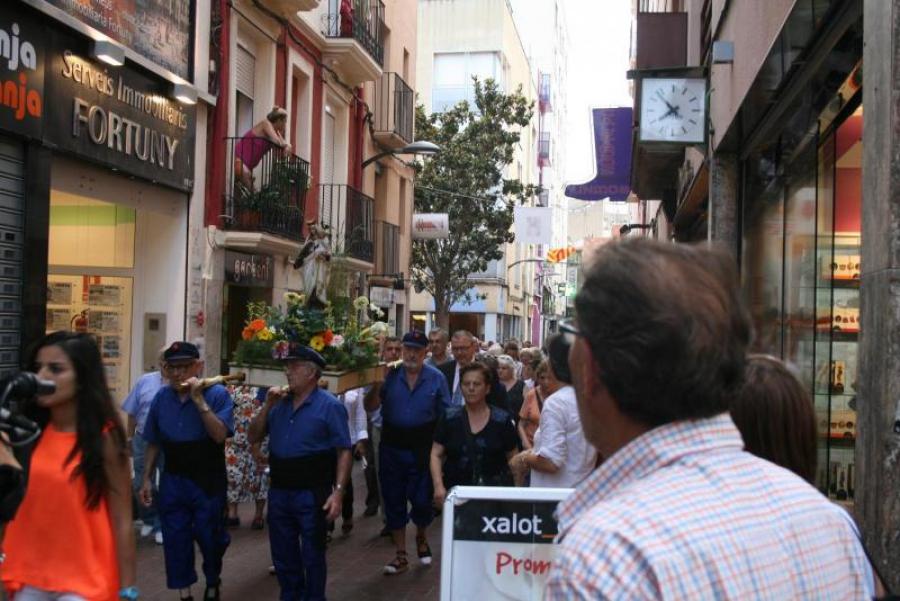 CICLE MÚSICA ALS BARRIS - Processó de la Mare de Déu del Carme amb música tradicional (carrer Alt del Carme)