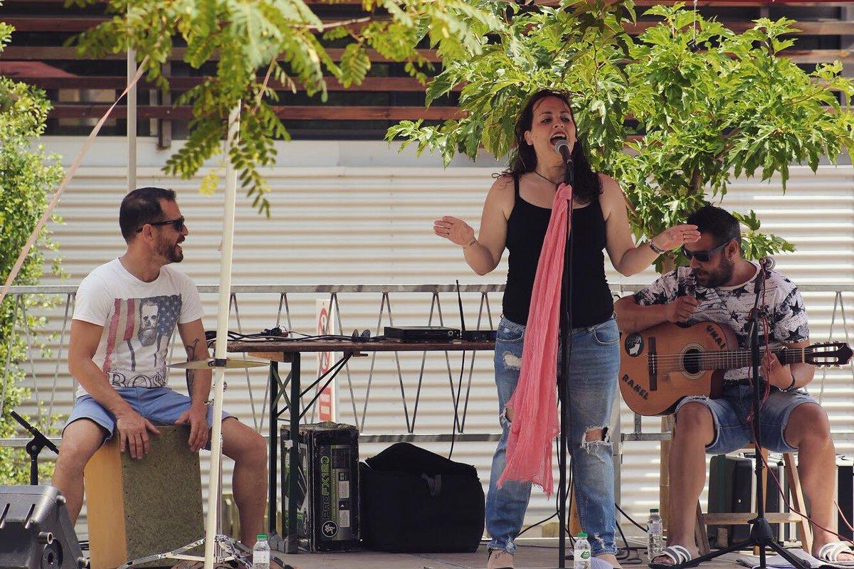CICLE MÚSICA ALS BARRIS - Rumba amb La Klave a l'Horts de Simó